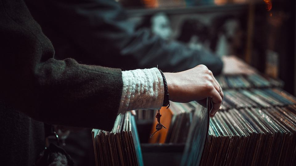 where to buy vinyl records online