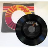 Daryl Hall And John Oates - Kiss On My List - 7