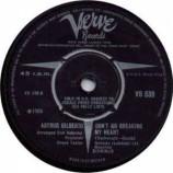 Astrud Gilberto - Don't Go Breaking My Heart