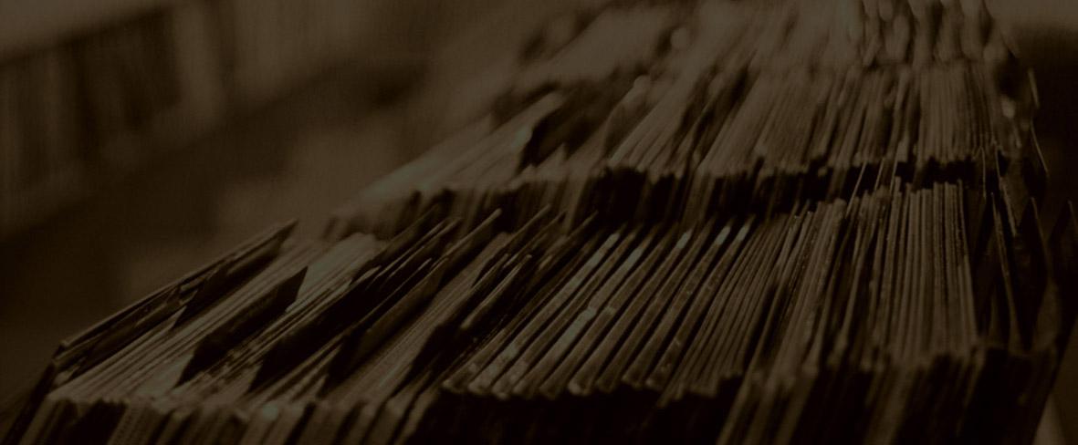 Vinyl Record Community and Marketplace | VINYLOM